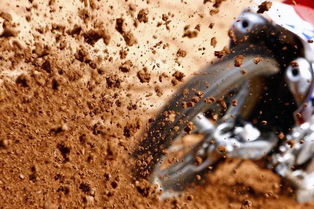 Koleso, špina, pieskový terén