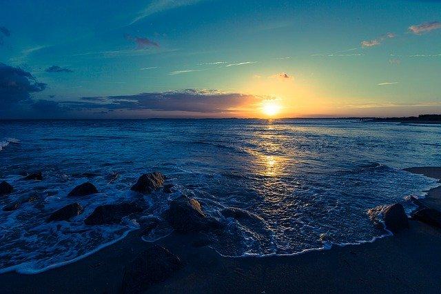 Súmrak nad morom.jpg