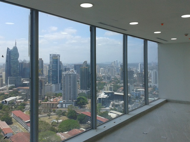 window-959542_640